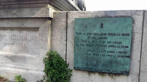 170404 Pont Mirabeau - plaque avec citation d'Apollinaire