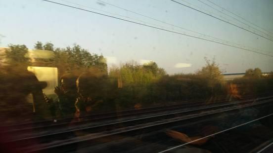 170408 TGV en partance un paysage à toute vitesse