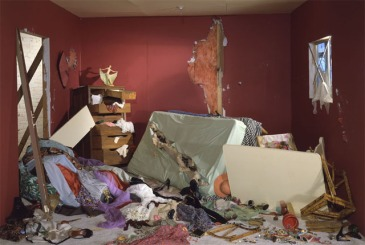 170524 jeff_wall_destroyed_room_1978