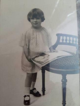 170710 Antoinette de Mathan petite fille - Née le 10-07-1920