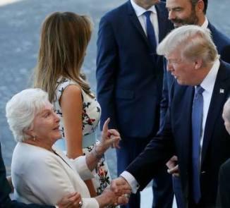 170715 Mélania et Donald Trump et Line Renaud à Paris le 14 07 17