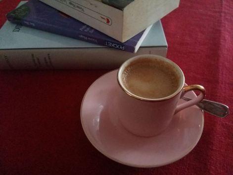 170807 Tasse de café et livres