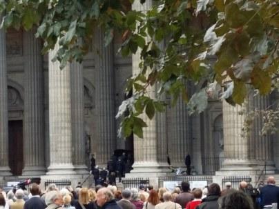 170901 Mireille Darc - St Sulpice - Entrée du cercueil